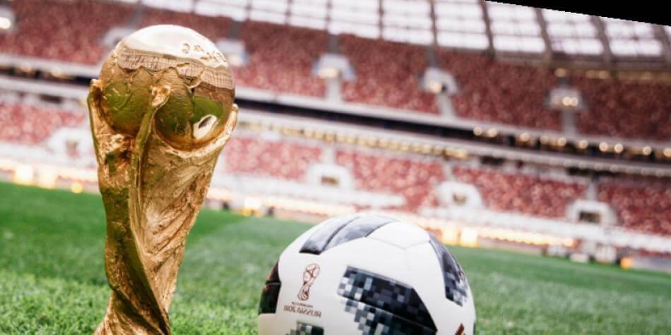 copa del mundo y balon oficial del torneo